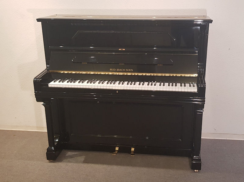 Ibach Klavier schwarz
